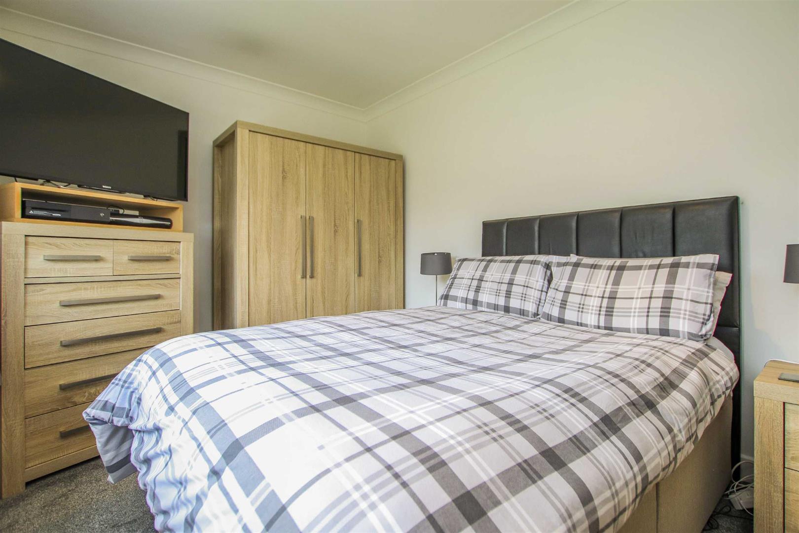 5 Bedroom Detached Bungalow For Sale - Image 21